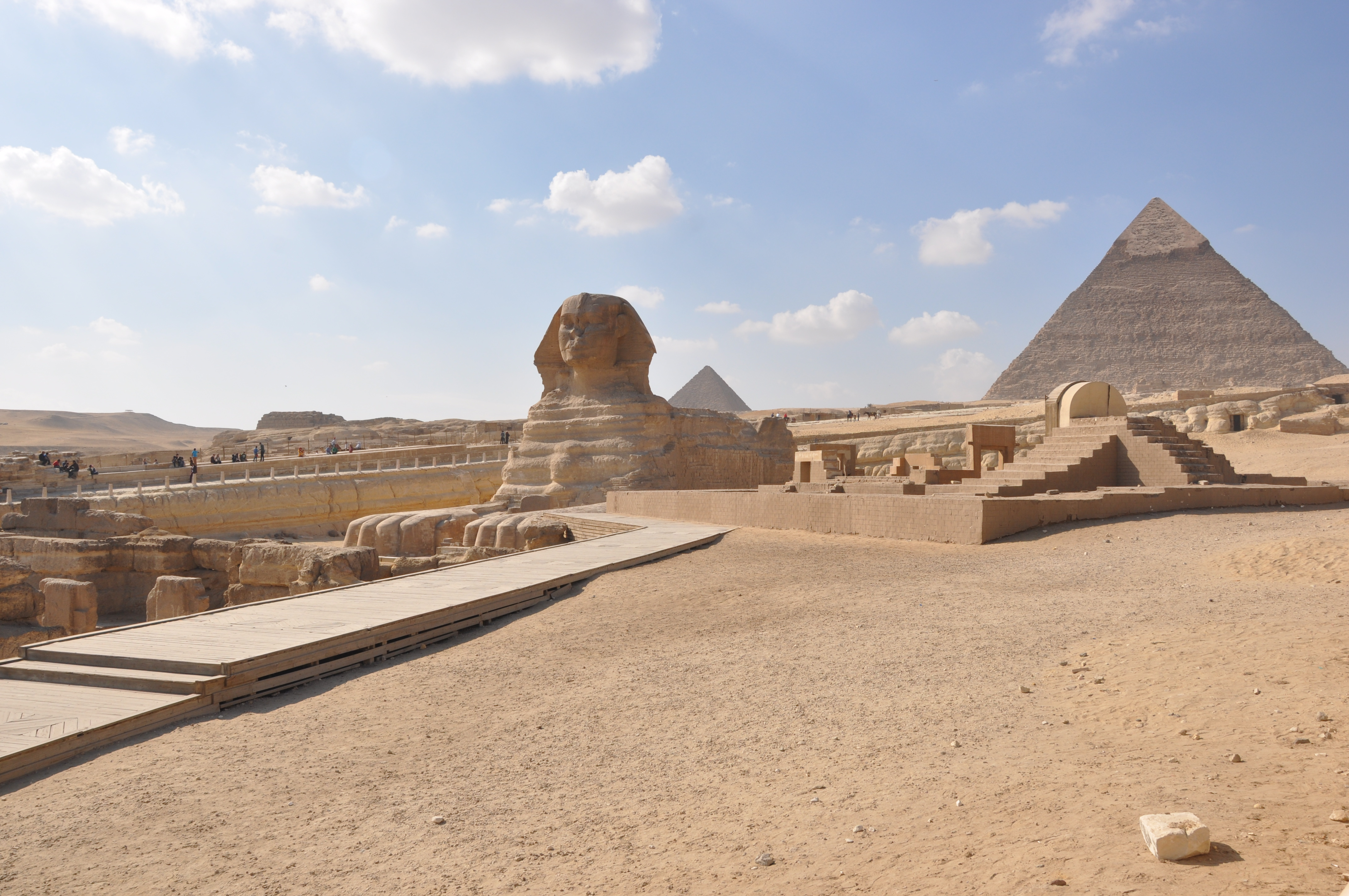 When we were in Cairo in the early part of our trip we did visit the Giza\u0027s colossal Pyramids and the Great Sphinx. We did it with a guide who was pretty ... & Just Do It | Fernweh